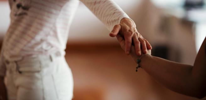 corps-toucher-présence-art-thérapie-jean-moisan-amiens-3